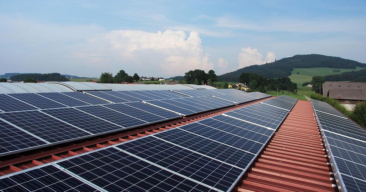 Pannelli solari su 100 milioni di tetti tra 5 anni. Energie rinnovabili, previsto +50%