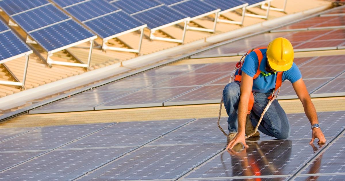 11 milioni di persone impiegate nel settore delle energie rinnovabili in tutto il mondo nel 2018
