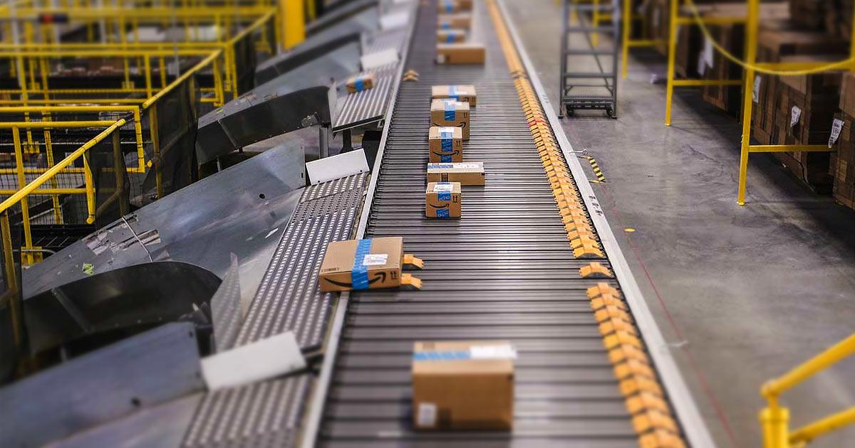 Braccialetto Amazon per monitorare il movimento dei lavoratori, ma in Italia si può?